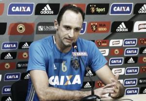 Goleiro Magrão apoia críticas de Luxemburgo e pede elenco atento às cobranças