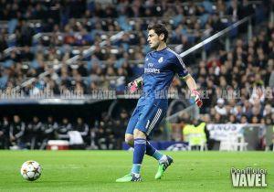 Casillas se reencuentra con Mestalla dos años después