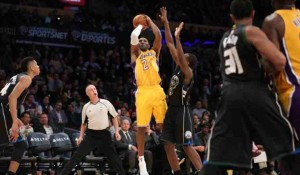 Lakers-Bucks Preview: Legendary Kobe Bryant Tests Rising Star Jabari Parker