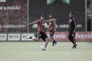 Flamengo solicita permissão para escalar Guerrero, mas CBF recomenda consulta na Suíça