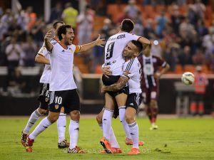 El Elche sufre una dura derrota en Mestalla y continúa con su mala racha
