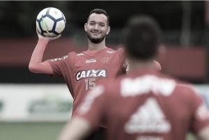 """Réver vê momento complicado dos atacantes do Flamengo, mas afirma: """"Não há fase ruim que dure"""""""