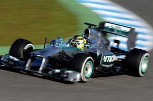 Rosberg manda en los segundos libres de Silverstone
