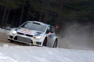 Rally de Suecia: Jari-Matti Latvala, nuevo líder de una dura jornada