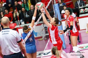 Volley F - L'Imoco Conegliano trova la decima vittoria di fila in campionato ed il primato in classifica