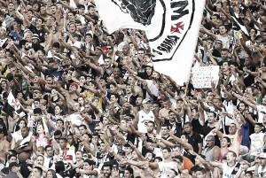 Torcida vascaína surpreende e esgota ingressos para partida contra Ceará