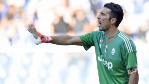 """Juve, Buffon verso il Napoli: """"Si gioca per vincere. Scudetto? Un sogno e un'impresa"""""""