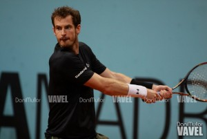 ATP Queen's - Murray lotta ma cede, corre Djokovic