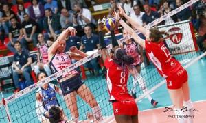 Volley F - Dopo un'autentica battaglia durata 5 set la Pomì Casalmaggiore batte Busto Arsizio