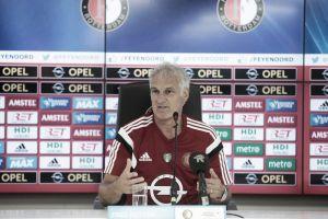 El Feyenoord se plantea renovar a Fred Rutten