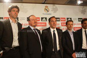 Xavi Valero visita el entrenamiento de la Selección en Las Rozas