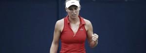 Wozniacki supera Watson e encara Pliskova na final de Eastbourne