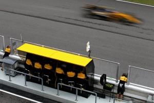 F1, Renault - Budkowski dà l'addio alla FIA e prepara l'arrivo ad Enstone, ma esplode la polemica