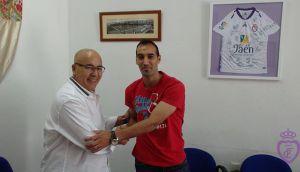 Santi Villa renueva con el Real Jaén