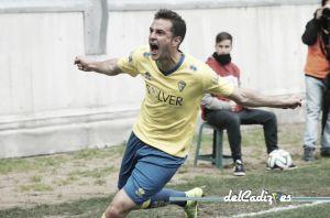Juan Villar anota el gol de la jornada 26 de Segunda División B