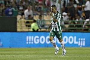 León recompone el paso con goleada a Pumas