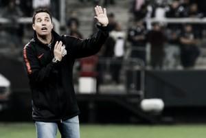 """Apesar de mais uma partida ruim, Osmar Loss ressalta vitória diante do Paraná: """"Precisávamos vencer"""""""