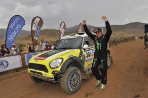 Nani Roma nuovo re della Dakar su quattroruote