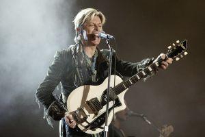 """David Bowie anuncia que habrá """"más música pronto"""""""
