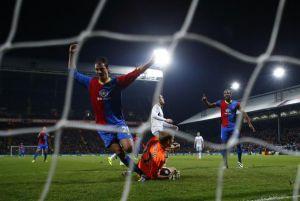 Il Palace batte il West Ham e ringrazia Chamakh