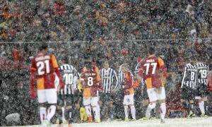 El hielo y la nieve aplazan el decisivo Galatasaray - Juventus