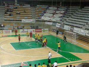 El BM Huesca vence y deja muy tocado al Bidasoa Irún