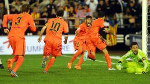 El Valencia CF condena el botellazo a Messi