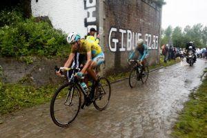 Tour de France: Nibali, il pavè e il ciclismo epico