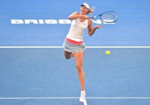 Sharapova e Ivanovic pelearán por el título en Brisbane