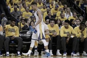 Stephen Curry es duda para el segundo partido de la serie