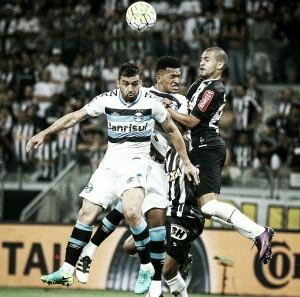 Clayton pede 'choque de ânimo' para Atlético-MG reverter vantagem do Grêmio