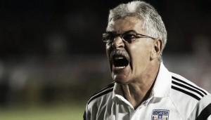Suspenden al 'Tuca' Ferretti y multan a Tigres
