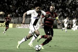Vasco e Vitória marcam de pênalti e empatam em São Januário pela Copa do Brasil