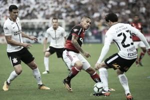 Em busca de reabilitação, Flamengo recebe o campeão Corinthians na Ilha do Urubu
