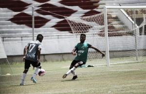 Com quatro mudanças, Júnior Rocha define Santa Cruz para enfrentar América-PE