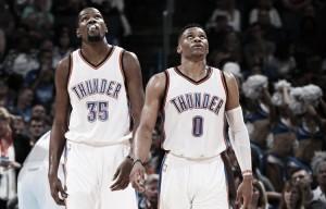 Resumen NBA: Warriors y Thunder siguen a lo suyo; los Cavs consiguen una victoria balsámica