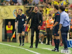 Simeone supera a Luis Aragonés