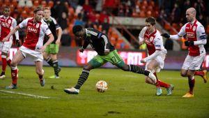Un buen Feyenoord sigue adelante en la Europa League