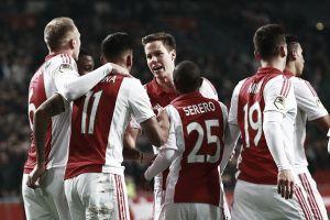 El Ajax se aferra al segundo puesto