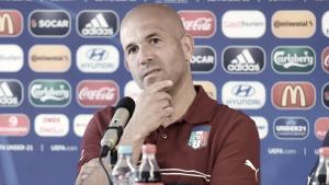 """Di Biagio: """"Tenemos que salir sin miedo si queremos ganar a España"""""""