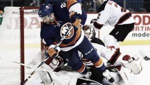 New York Islanders renueva a Gionta por un año
