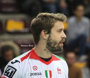 Volley M - La Sir Safety Perugia vince e ringrazia Modena, allungando a +4 in vetta alla Superlega
