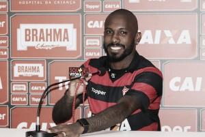 """De volta ao Vitória, atacante Rhayner destaca sintonia no clube: """"Gratificação muito grande"""""""