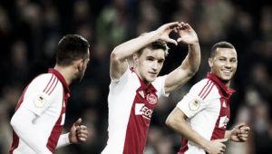 El Ajax regala una goleada delante de su afición ante el Willem II