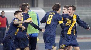 Il Verona vince in rimonta, Atalanta beffata e arrabbiata