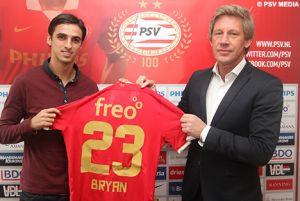Bryan Ruiz jugará en el PSV