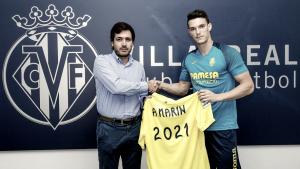 El Villarreal blinda su lateral izquierdo hasta 2021