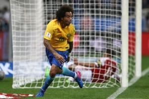 """Após vitória, Marcelo rasga elogios a Tite: """"A gente deve muito a ele"""""""