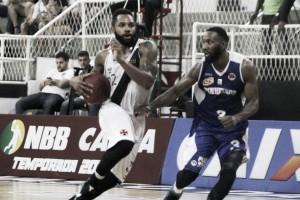 Jogo coletivo prevalece e Pinheiros vence Vasco na primeira partida dos playoffs do NBB