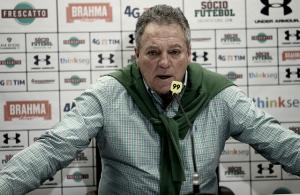 """Após sequência de empates, Abel comemora vitória: """"Me fascina estar bem no Fluminense"""""""